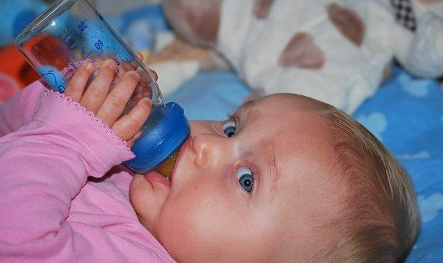 Wie kann ich Muttermilch warmhalten?