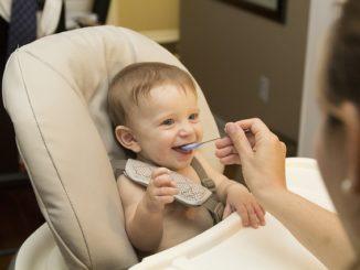 Was isst ein 9 Monate altes Baby?