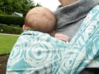 Tragetuch fuer Neugeborene